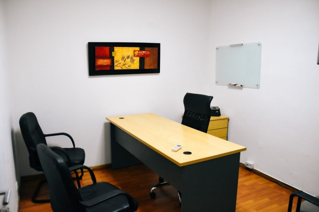 small-office-4837892_1280